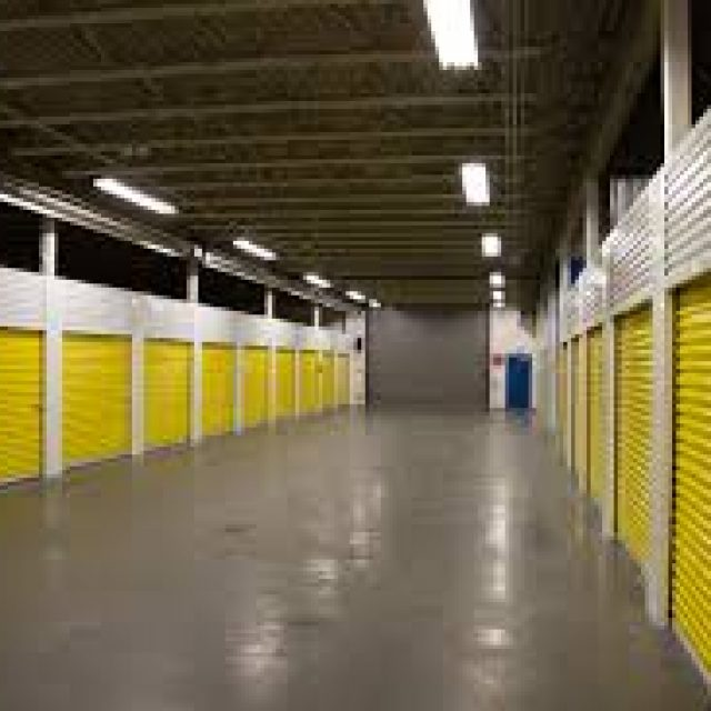 The prices and external factors in choosing a storage