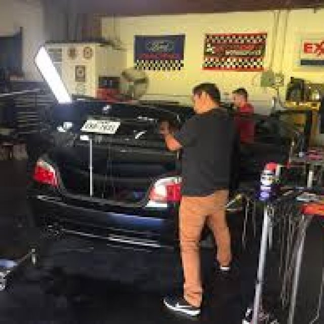 Simple tricks for repairing the dents on your car by yourself