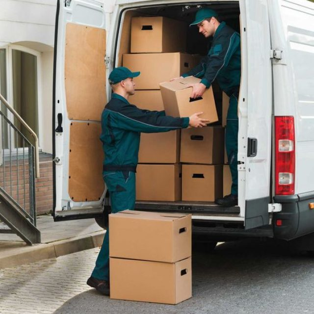 Move With Less Risk with the Right Removal Service