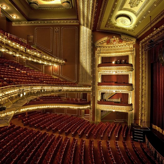 Theater Reviews: Broadway Theater, New York